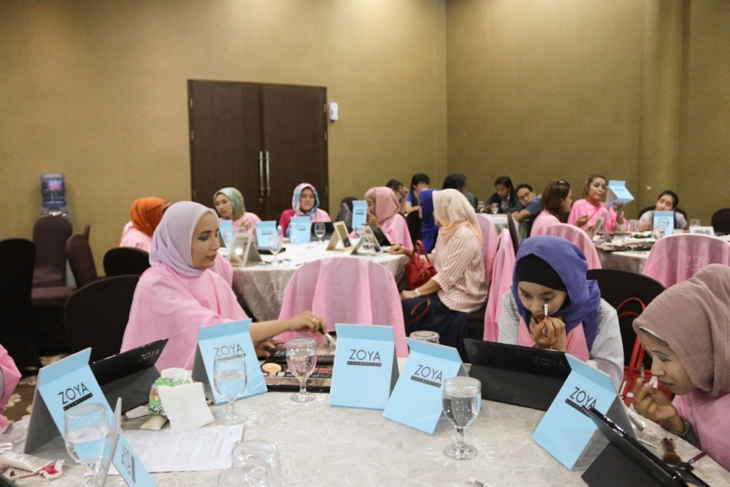 Gathering beauty class